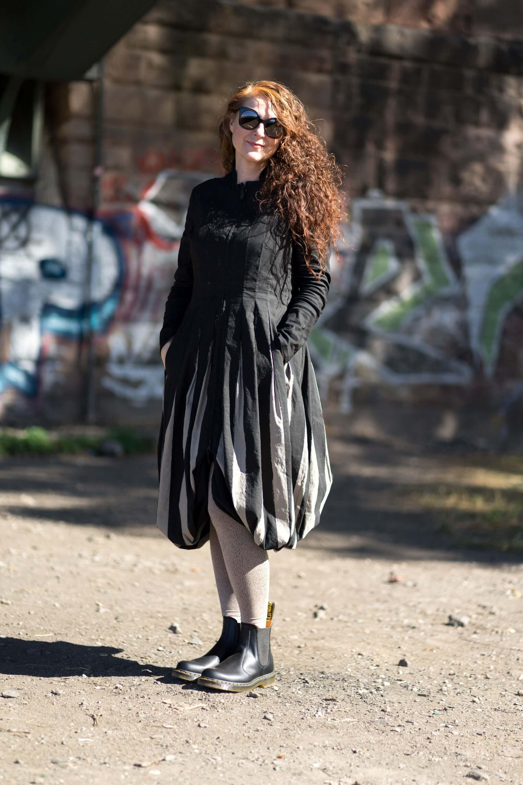 Docs kombinieren - Looks einer Ü50 Modebloggerin mit Mantelkleid Annette Görtz