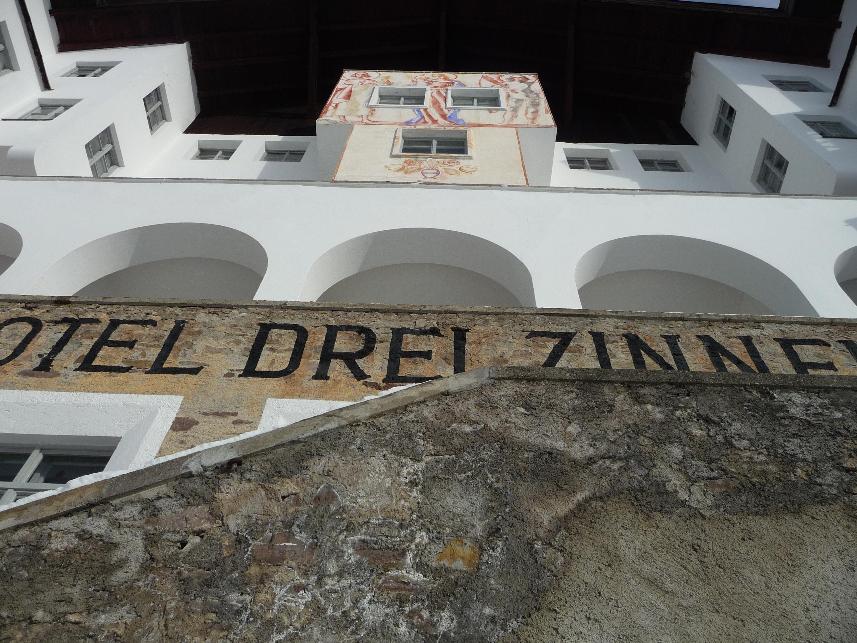 """Hotel """"Drei Zinnen"""" in Sexten"""