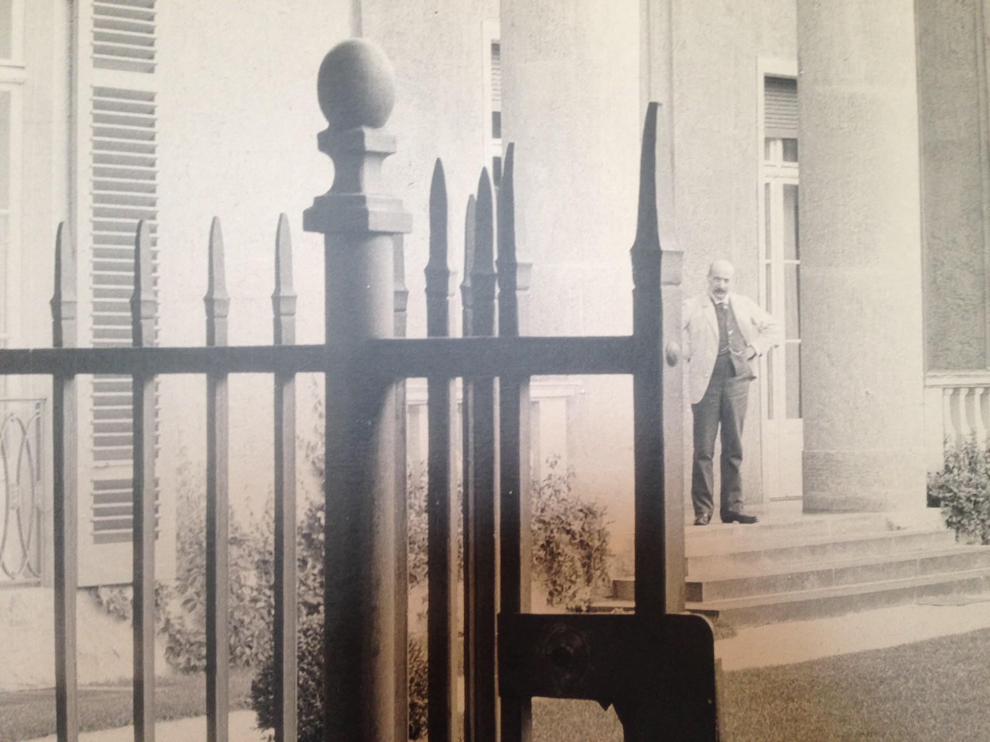 Lieberman vor seinem Sommerhaus am Wannsee