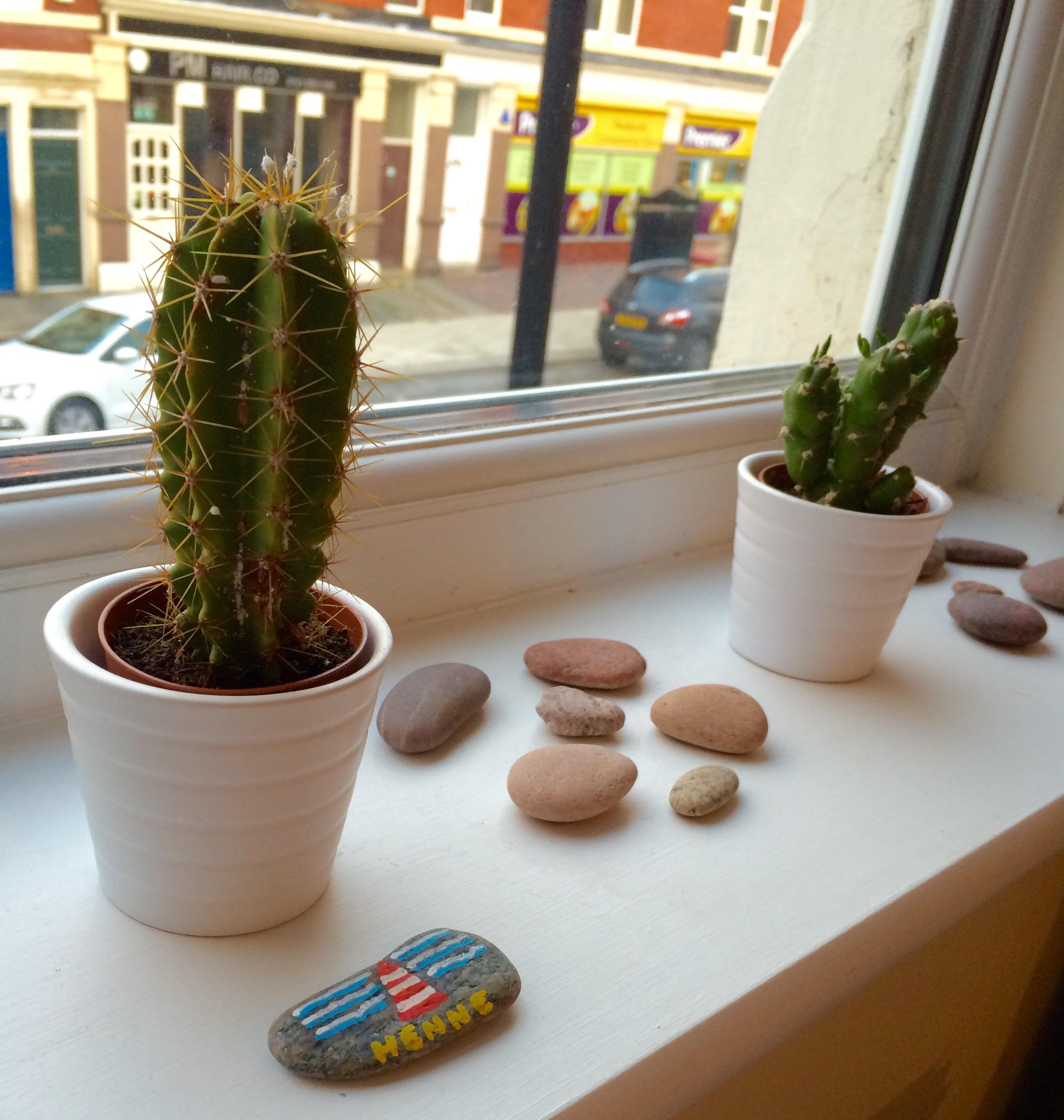 Diese Neue Steinsammlung Auf Der Fensterbank In Meinem Arbeitszimmer Ist  Aber Eine Deko, Die Ich