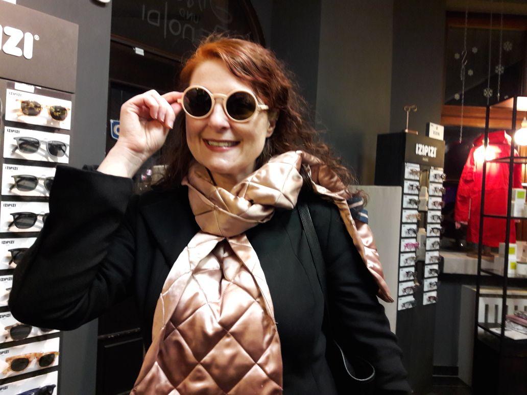 Sonnenbrille von izipizi bei Simon und Renoldi Concept Store im Belgischen Viertel Köln