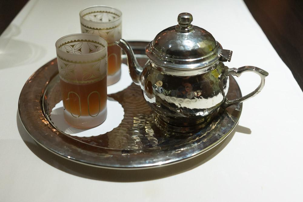 Tee im Dar Zmen Restaurant des Laico Tunis 5-Sterne-Hotel Tunesien Erfahrungsbericht