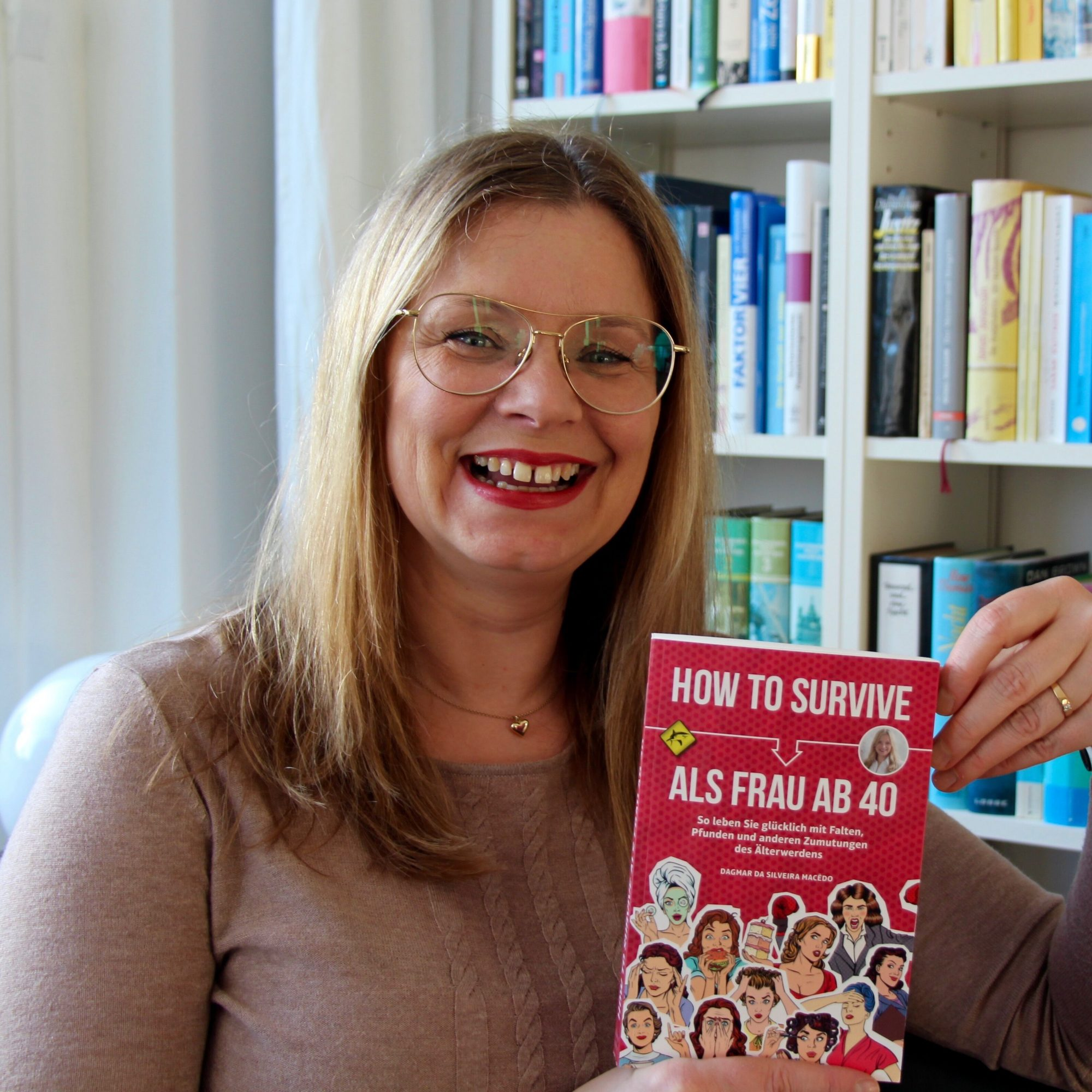"Ursel vom IKNMLO Fashionblog für Frauen ab 40 über Dagmar Macedo ""How to survive als Frau ab 40"""