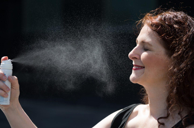 Sommerurlaubs-Make-up Essentials: La Roche-Posay Thermalwasser Spray, Clarins Double Serum