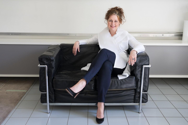 Ü50 Bloggerin Cerstin in Prada Stilettos über High Heels mit Ü50