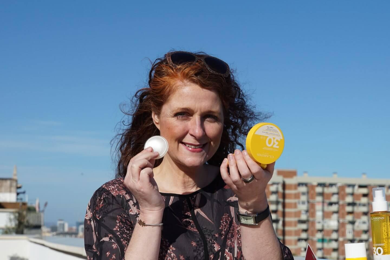 Compact Solaire Minéral Erfahrungen Sonnenschutz-Fluid für das Gesicht mit Beauty-Effekt UVA/UVB 30 Citytrip Barcelona