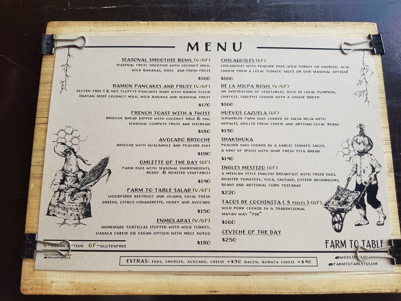 Frühstückskarte im Farm to table Tulum Mexiko
