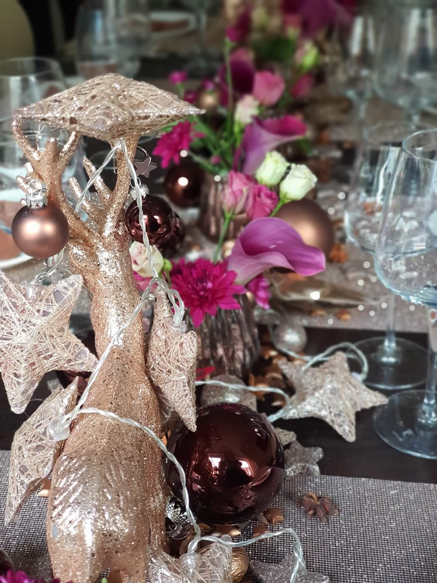 Rosegoldene Weihnachtstafel