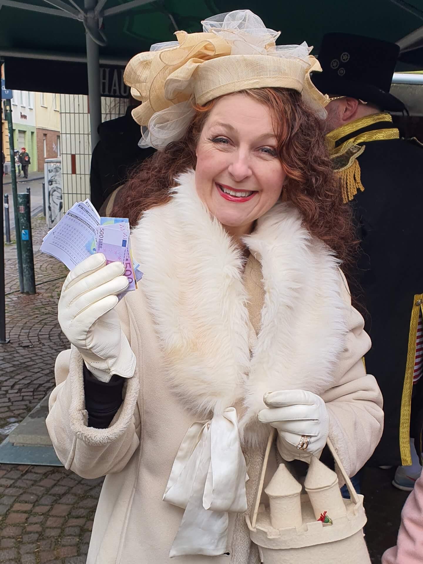 Royal Ascot op Kölsch Kostümidee