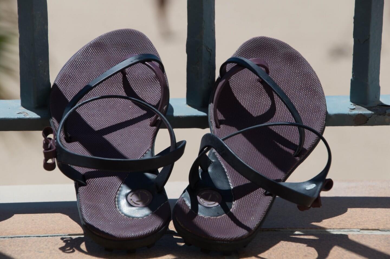 Flipflops mit Fußriemchen - für die sportliche Abenteurerin in Ihnen