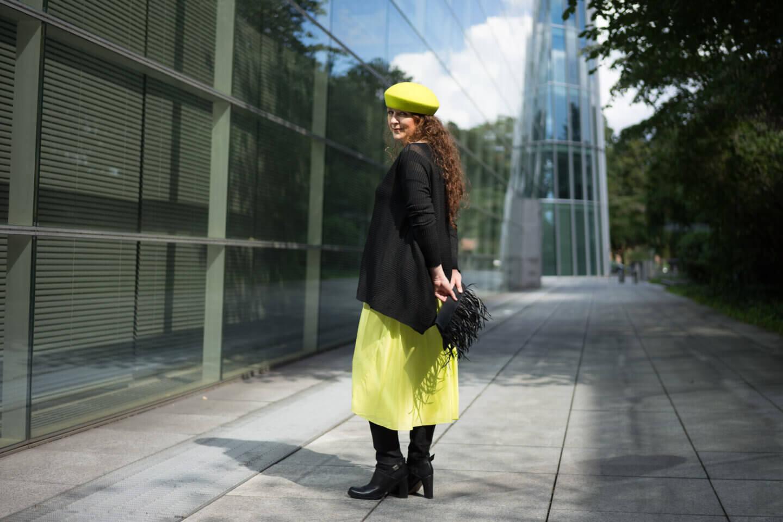 Ü50 Neon Outfit, wie trägt man eigentlich neon, Neon kombinieren, Neon style - Ü50 Modebloggerin Ü40 Modeblog styleREBELLES