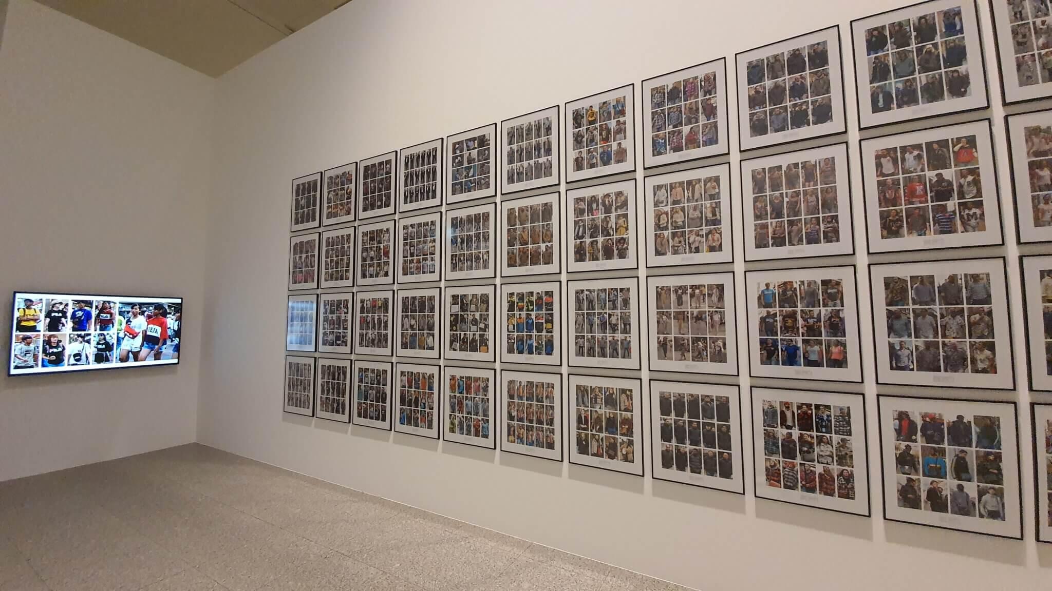 Typen in der Dress Code - Ausstellung Bundeskunsthalle Bonn 2021