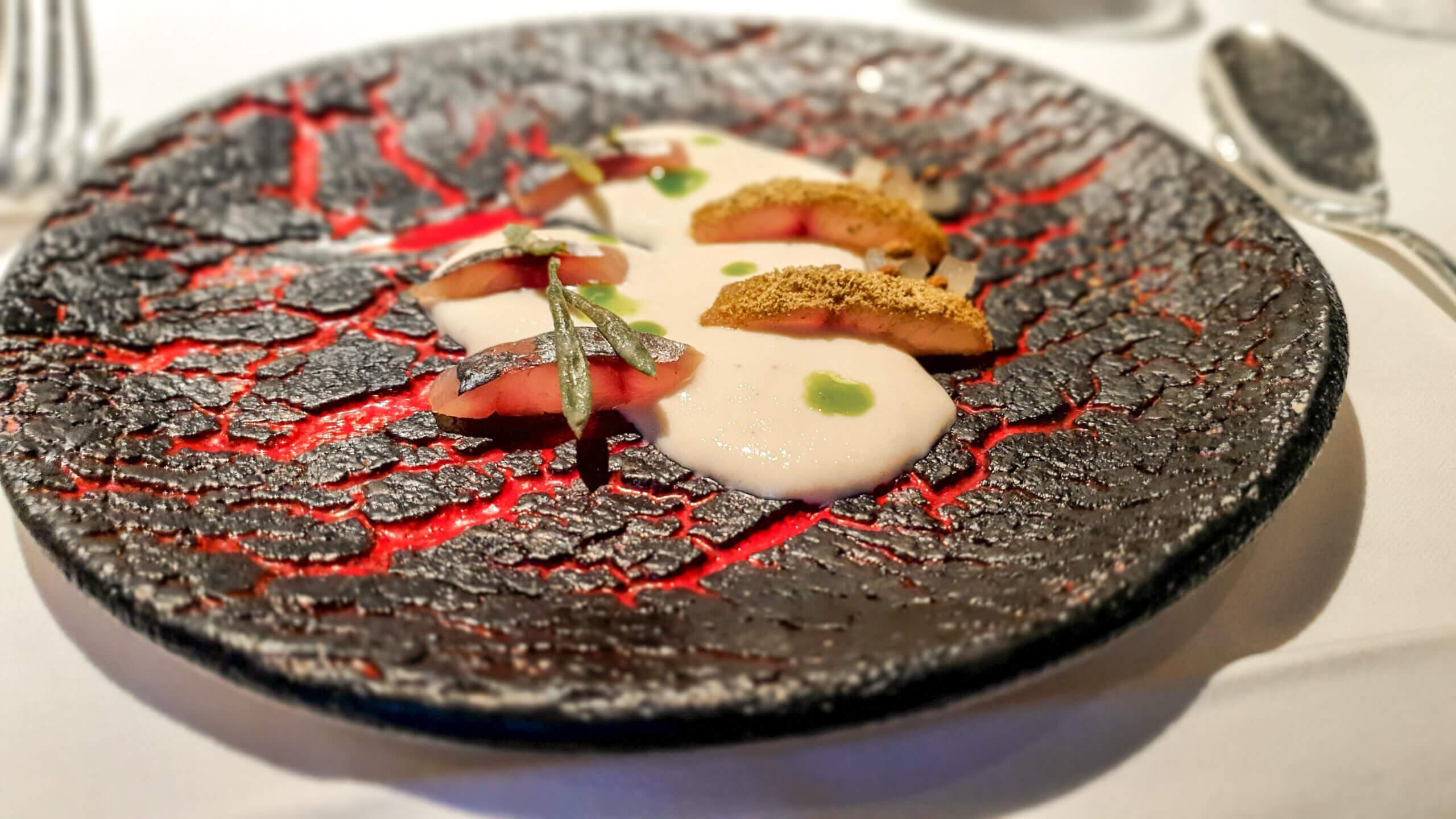 Makrele mit Fenchel und kandierten Koriandersamen in verschiedenen Variationen im 3-Sterne Restaurant Arzak in San Sebastián